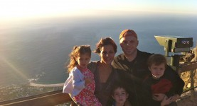 Family shot on Table Mountain