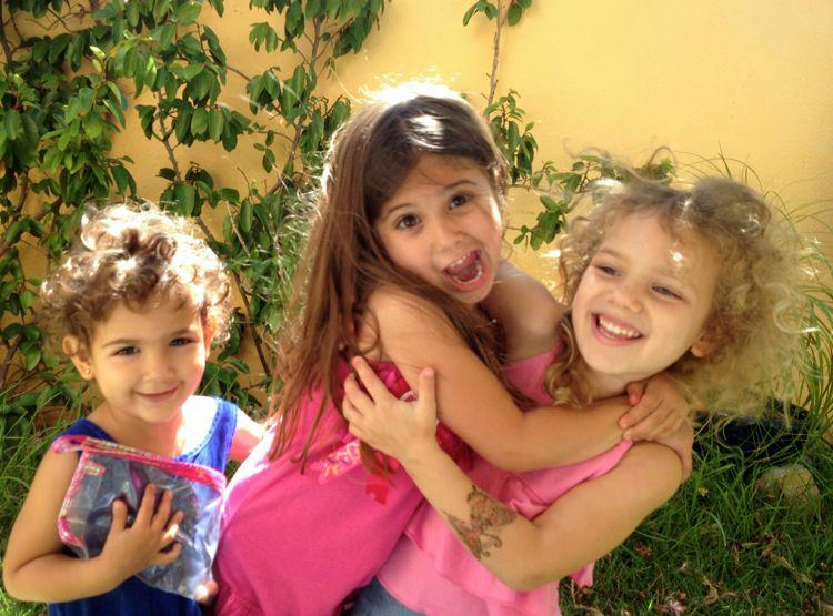 Abi, Selah crazy face, Kayla